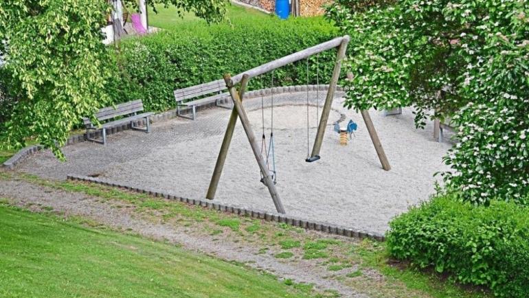 Ein Platz für alle, Dorfplatz und Spielplatz als Ort der Begegnung. PNP vom 13.06.2020